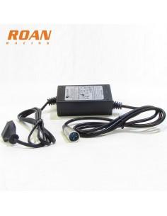 Cargador bateria 36V-1.5Ah macho