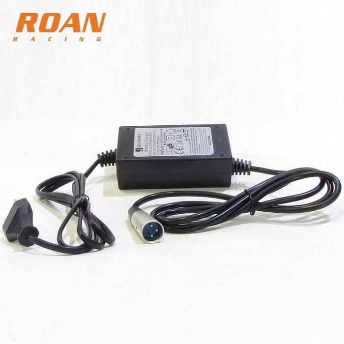 Cargador batería 36V-1.5Ah macho