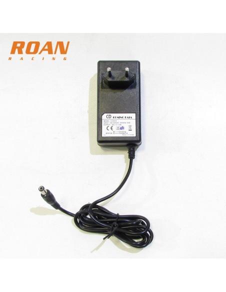 Cargador bateria 24V-1.5Ah hembra