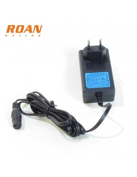 Cargador bateria hembra 24V-1.5A - Motosapollo.com