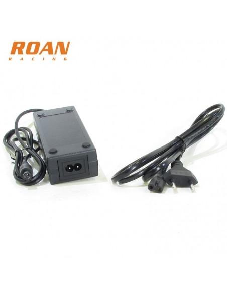Cargador bateria hembra 42V-2A - Motosapollo.com